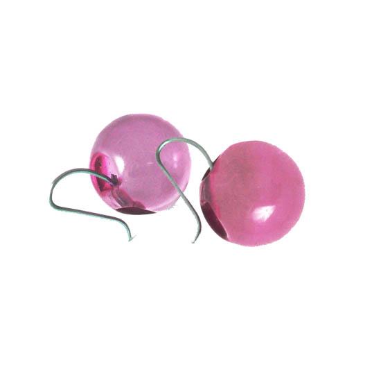Korvakorut, Pallot läpinäkyvät pinkit