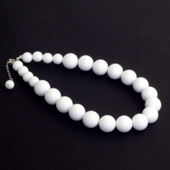Halsband, Audrey vit kort