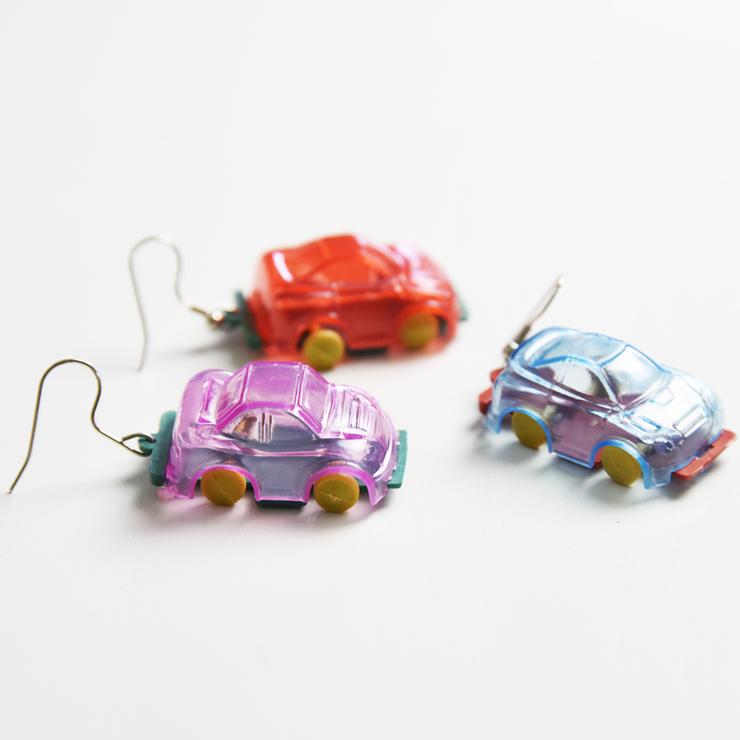Örhängen bilar, blåröd