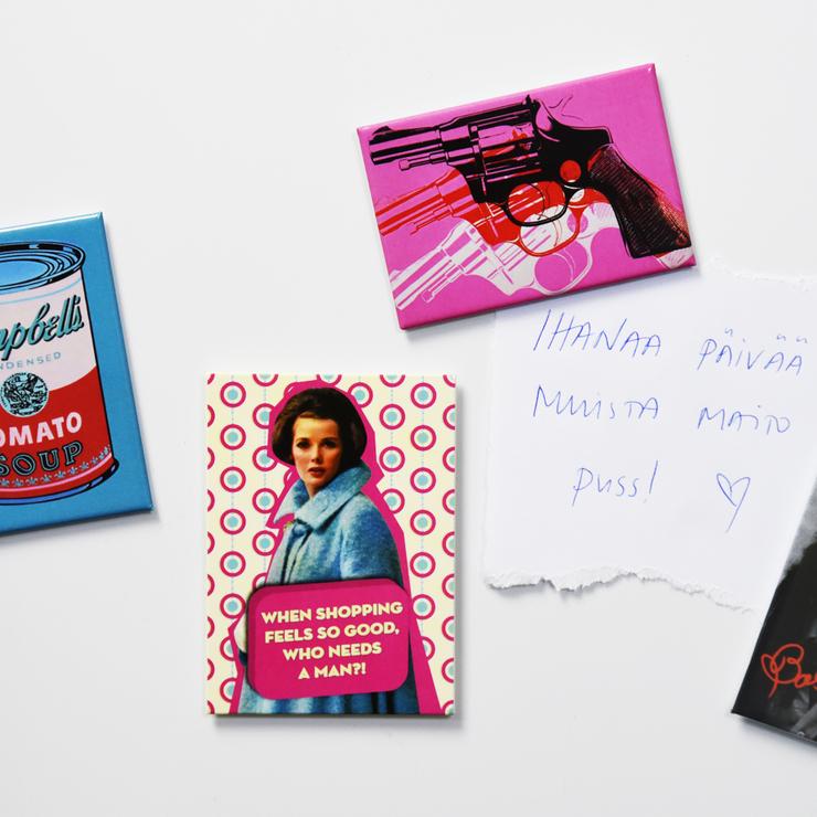 Magneetti Warhol, Gun Pink